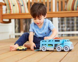 Mašīnas un cits transports